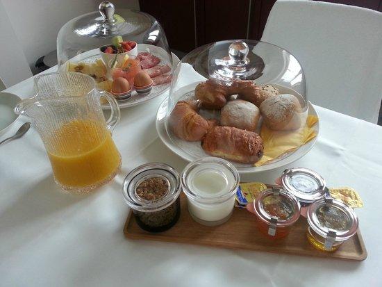 Haas op het Vrijthof: Breakfast in the room
