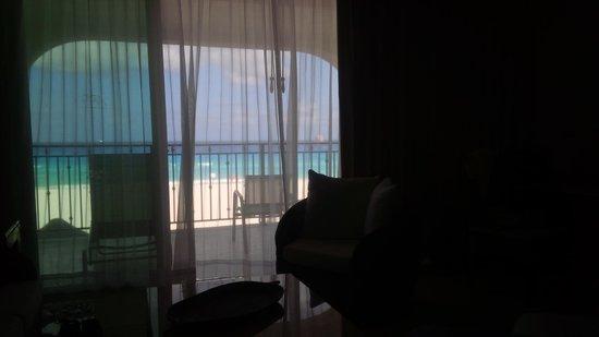 Grand Park Royal Cancun Caribe: Balcony view: Rm 2105