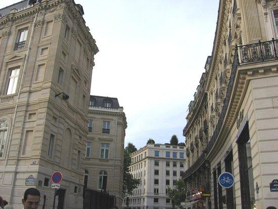 rue de paris picture of citadines saint germain des pres paris paris tripadvisor. Black Bedroom Furniture Sets. Home Design Ideas