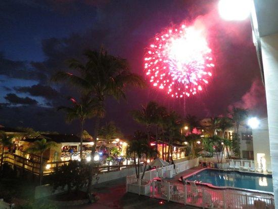 Beachcomber Beach Resort & Hotel : 4th July from the balcony