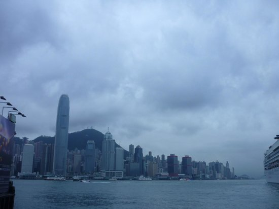 Victoria Harbour: cloudy day