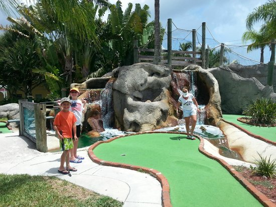 Coral Cay Adventure Golf