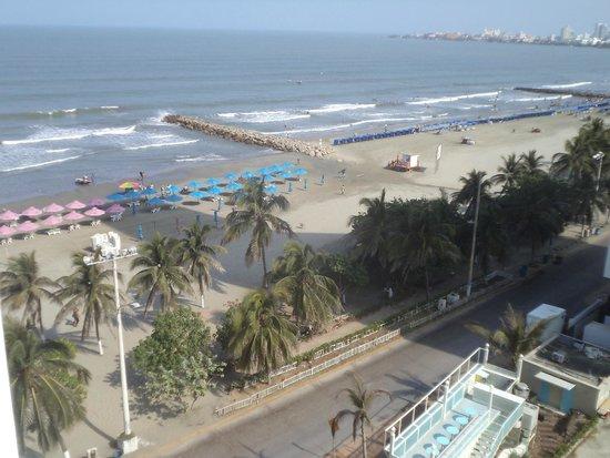 Hotel Regatta Cartagena: vista de costado desde la habitación y zona de la playa