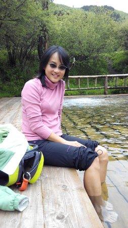 Erdaohai Lakes Scienc Spot: Soak your feet in the hot spring