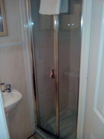Botanic Rest: shower