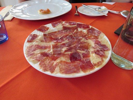 Restaurante Asador 240: Iberian ham