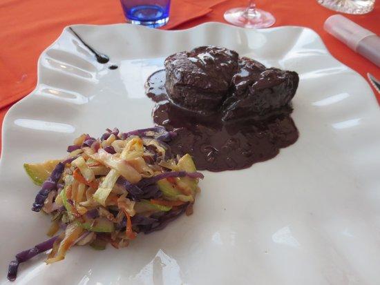 Restaurante Asador 240: Steak in red wine