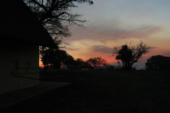 Mpila Camp : sunset over the camp