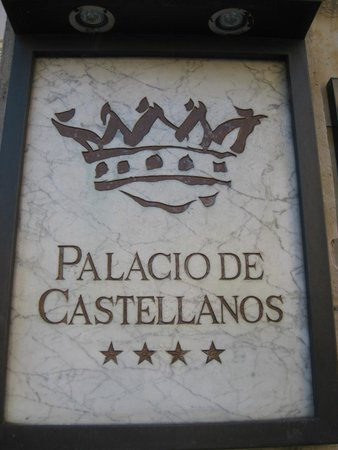 NH Salamanca Palacio de Castellanos: Presentación
