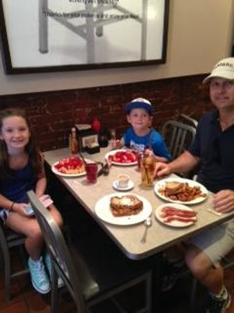 The Paramount: Sunday breakfast for four!