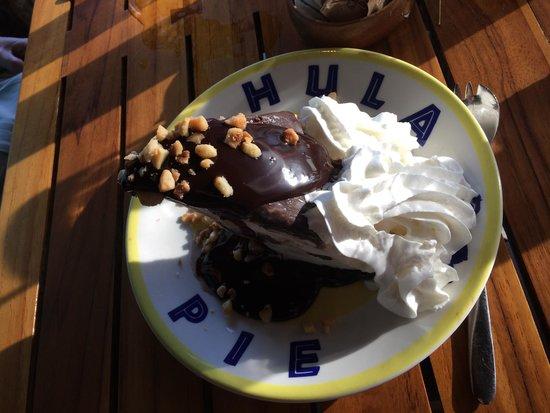 Duke's Beach House : HULE ICE CREAM MAC NUT PIE -- Oh my!!
