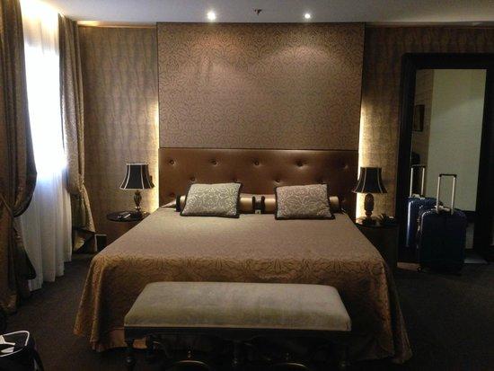 Aqua Palace Hotel: Suite junior (lit King)