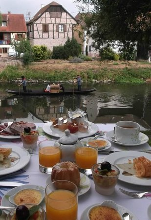 L'Auberge de l'Ill : 朝食をイル川小舟で・・・・♪♪