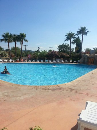 Camping Port Pothuau : La Piscine