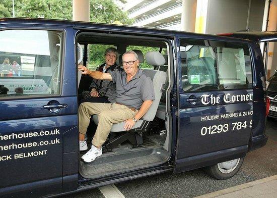 Gatwick Corner House Hotel: transport service to Gatwick terminals