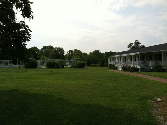 Harrison's Chesapeake House: waterview rooms on right