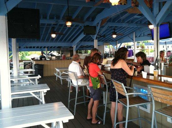Harrison's Chesapeake House: deck bar