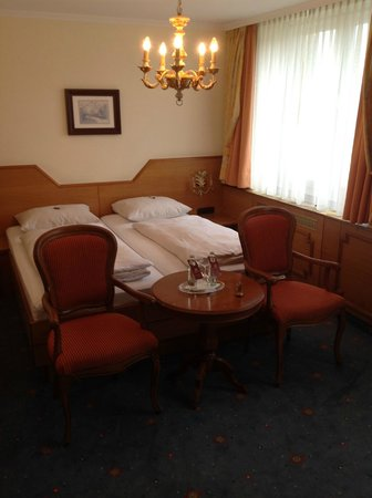 Hotel Torbräu: Beds were comfy