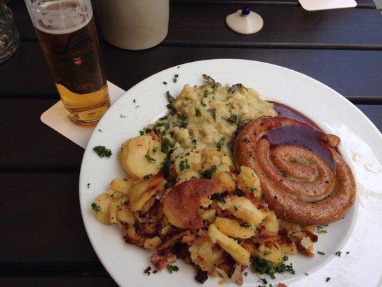 Brauhaus Sion: Сосиска с гарниром! Вкусно!