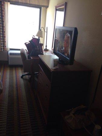 Hampton Inn Phoenix/Chandler: Nice tv