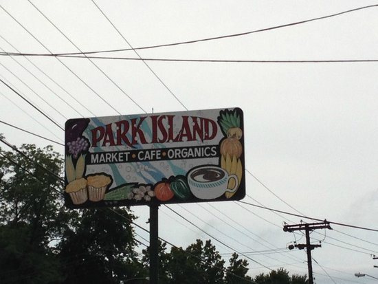 Park Island Market And Cafe : Sign