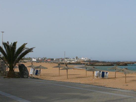 Sheraton Fuerteventura Beach, Golf & Spa Resort: Strand vor dem Hotel
