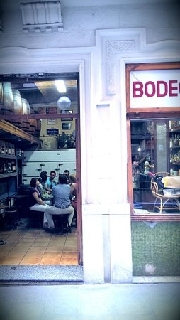 Aborigens -Local Food Insiders: Local Bodega