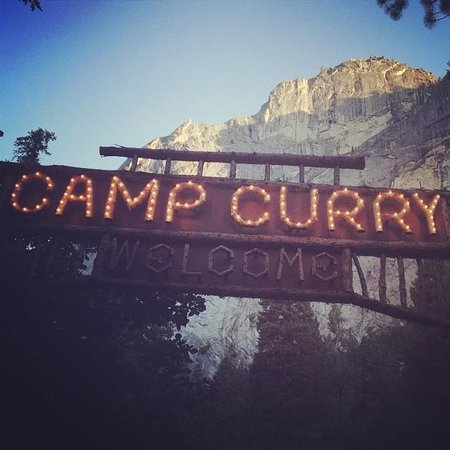 Half Dome Village: Camp Curry Sign Near the Front Desk and Lounge