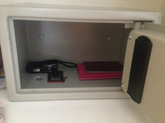 Kervansaray Lara Hotel : Small safe