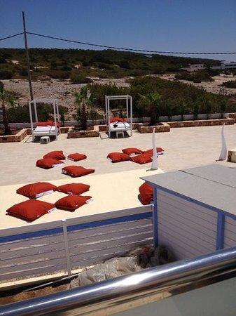 Maysi Hostal: zona de chill out y piscina, a estrenar!