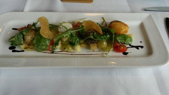 Restaurant Rossalm : Gebackene Ziegenkäsebällchen auf Trauben-Apfelsalat