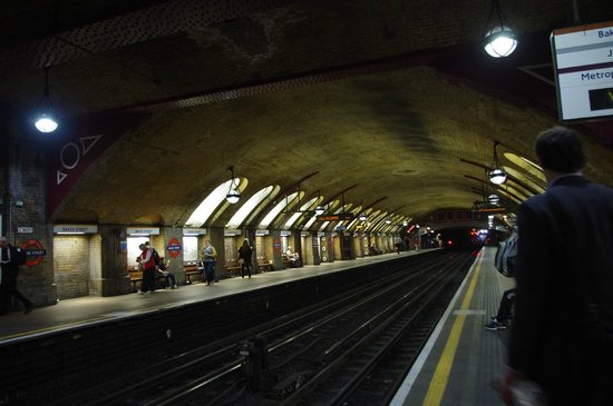 London Underground: Paddington Station - one of the oldest stations in London!