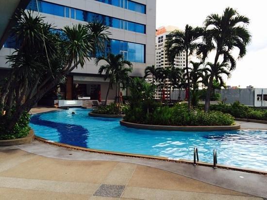 Amari Watergate Bangkok : L8 pool