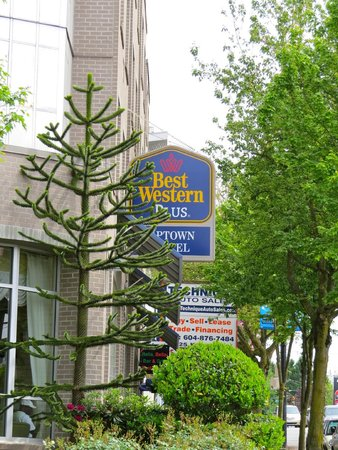 BEST WESTERN PLUS Uptown Hotel: Street Sign