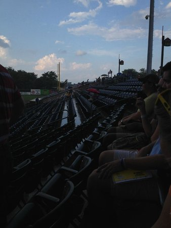 Fluor Field at the WestEnd: Brave soul during the rain storm!