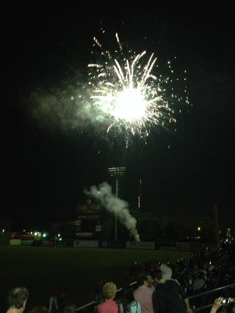 Fluor Field at the WestEnd: They won, here comes the fireworks!