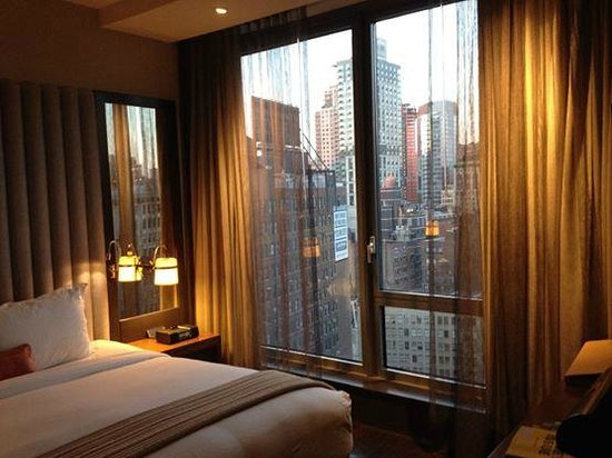 Kimpton Hotel Eventi: The bedroom side of our suite