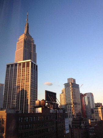 Kimpton Hotel Eventi: Empire State Building from our bedroom