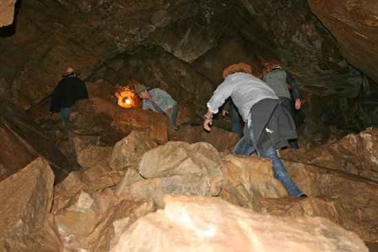 Blacktail Ranch : Working your way through the Cave