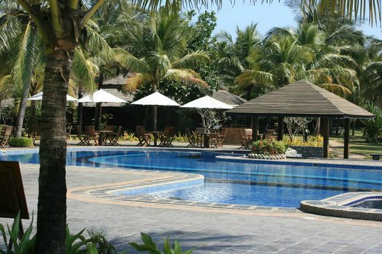Sunny Paradise Resort: außer reichlich Meer gibt es auch einen schönen Pool