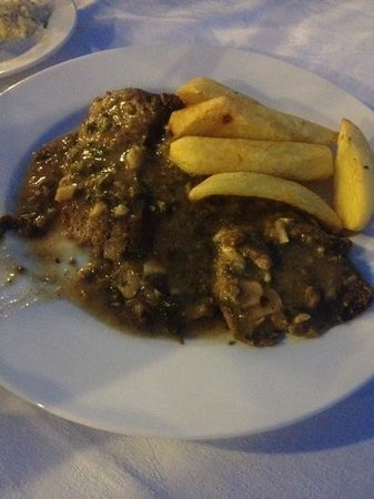 Elia : beef sifrito, with homemade chips.