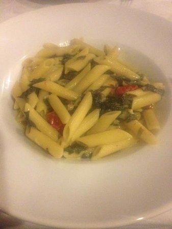 Elia Traditional Cretan Taverna : pasta with feta and tomato