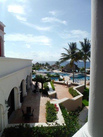 Hard Rock Hotel Riviera Maya: Family side pool