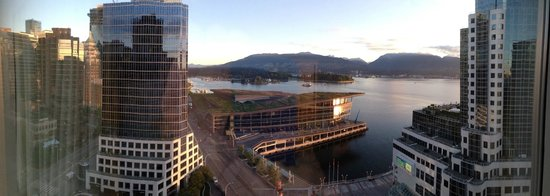 Fairmont Waterfront: Up and At Em