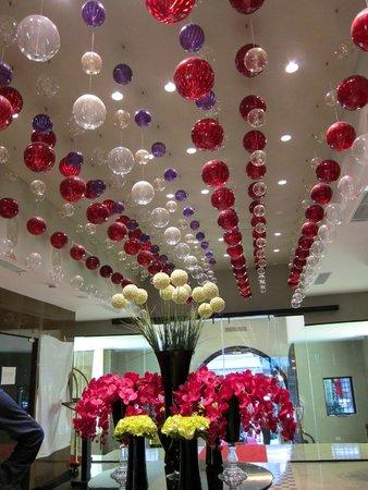 Sura Design Hotel & Suites: lobby