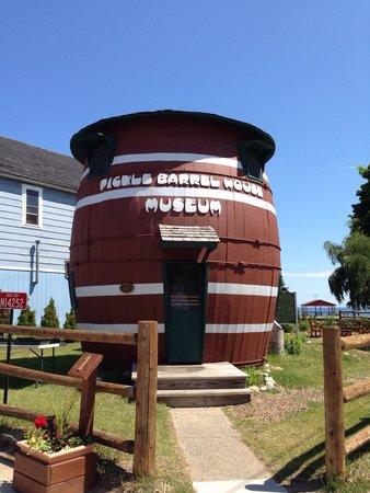 Pickle Barrel House Museum: Pickle barrel house