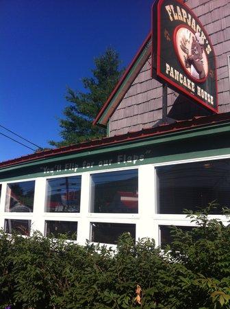 Flapjack's Pancake House: Outside the restaurant