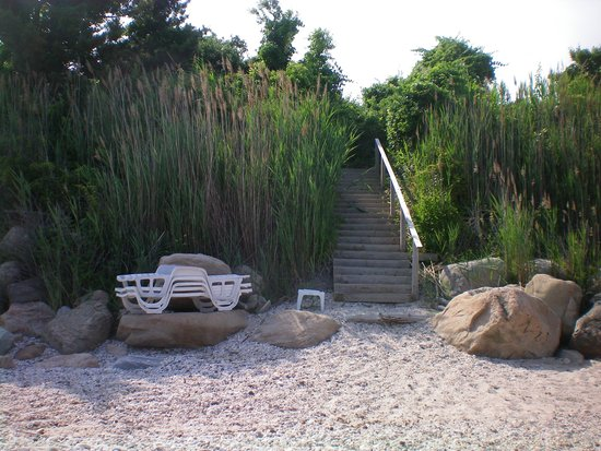 Sunset Motel: Private beach access