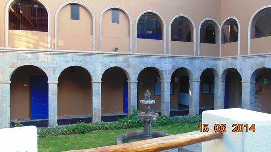 Casa Andina Standard Cusco San Blas: patio del hotel