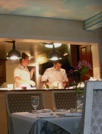 The Inn at Barley Sheaf Farm : Chef & Sous Chef in the ope kitchen